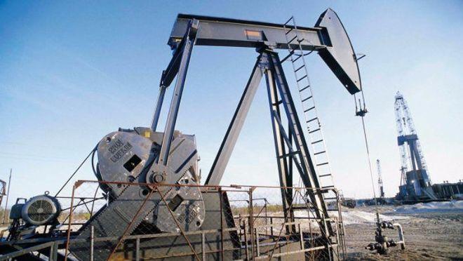 Мировые цены на нефть продолжают падать: названы причины