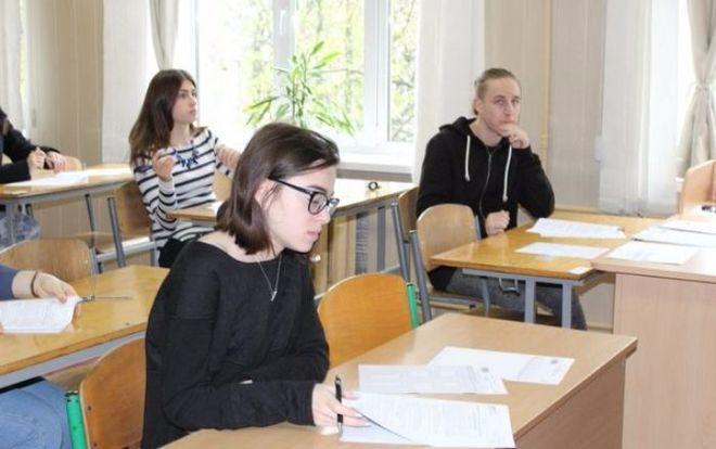 Стало известно, сколько абитуриентов сдавали ВНО по русскому языку в этом году