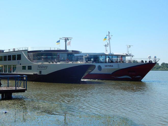 Украинский порт принял 2 круизных лайнера из Мальты и Швейцарии