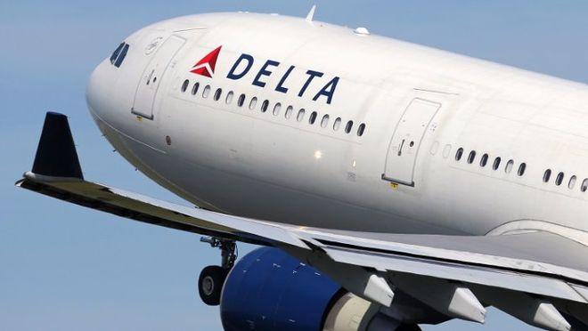 На американскую авиакомпанию подали в суд из-за укола иглой в самолете