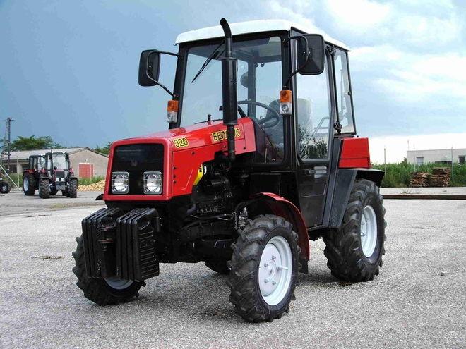 В Беларуси предложат туристам собирать трактор
