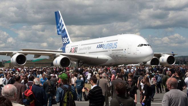 Как выглядит новая версия крупнейшего пассажирского самолета (Фото)