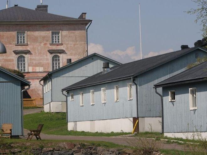Названы 12 тюрем, которые легко перепутать с отелем