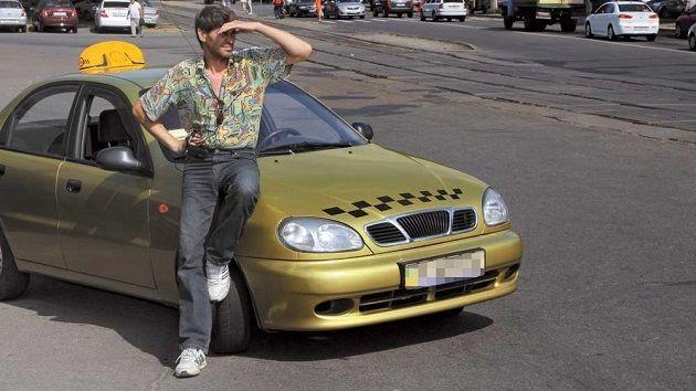 Украинские таксисты полностью ушли в тень