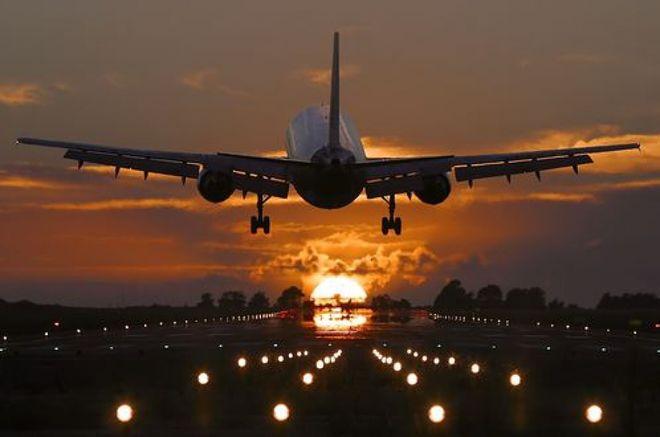 Авиакомпании массово отменяют рейсы