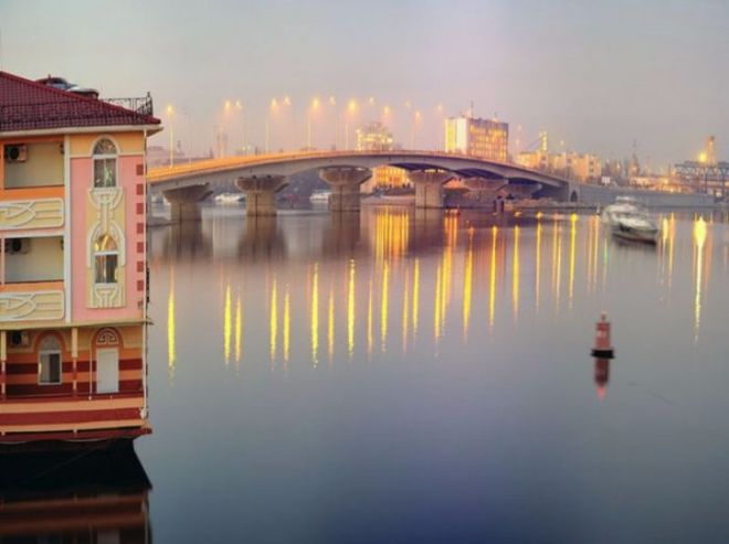 В Киеве ограничат движение на одном из мостов из-за съемок фильма