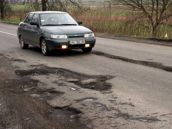 Гройсман рассказал, когда в Украине появятся качественные дороги