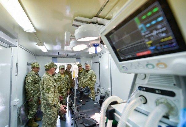 КрАЗ выпустил рентген-кабинет и операционную на колесах