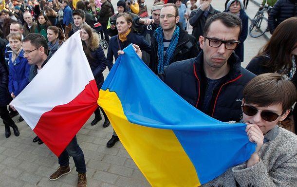 Украинцы массово выезжают в Польшу, а поляки на Запад