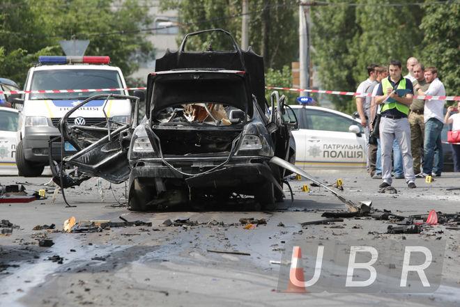 Кого взорвали в авто на Соломенке, и что там происходит сейчас