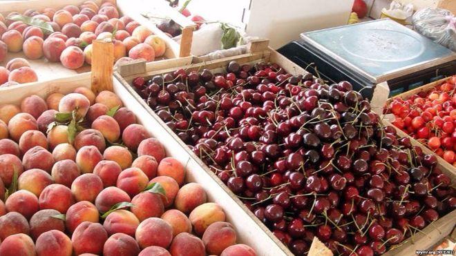 В Крыму почти каждый день повышают цены на черешню
