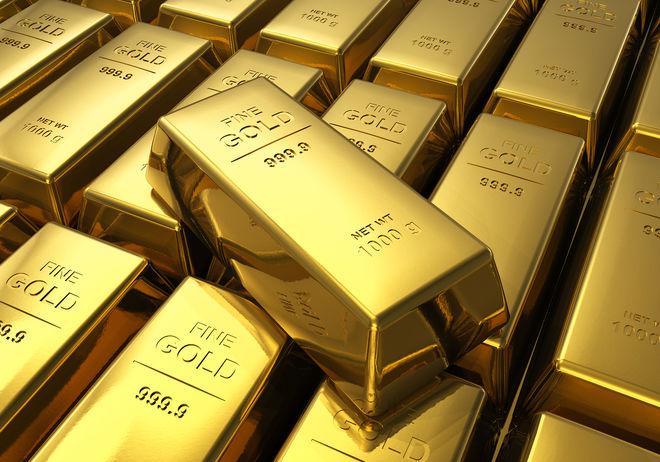 Стоимость золота продолжает расти на фоне удешевления доллара