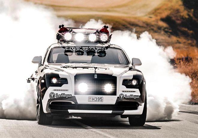 Как выглядит камуфляжный Rolls-Royce с багажником на крыше
