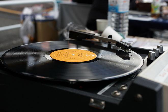 Sony впервые за 28 лет выпустит виниловые пластинки
