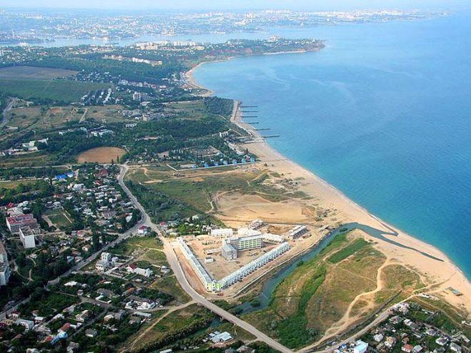 В оккупированном Крыму у населения отбирают землю для расширения военного городка