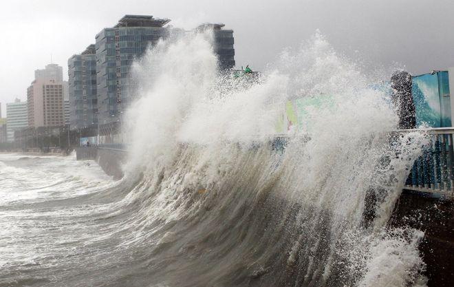 Из-за тайфуна в Японии отменили 43 авиарейса