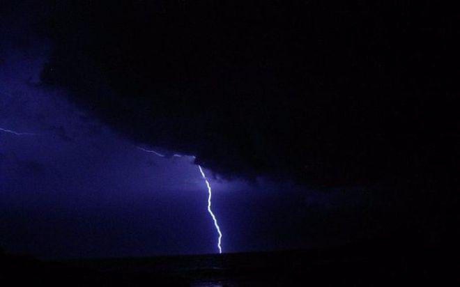 Синоптики объявили штормовое предупреждение в ряде областей Украины