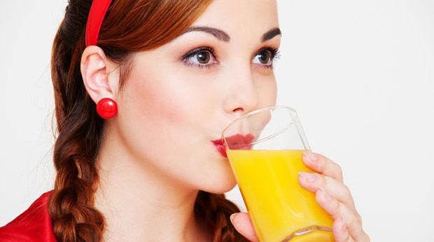 Холодное лето заставило украинцев меньше пить соков