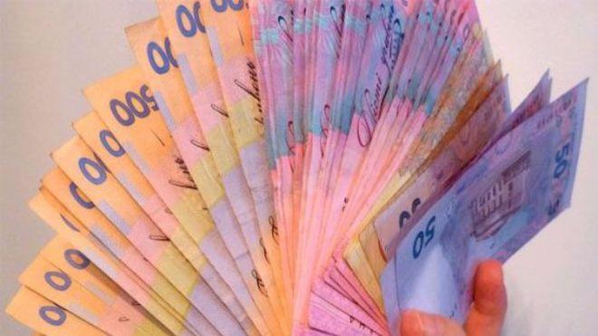 Народным депутатам будут давать больше денег на аренду жилья