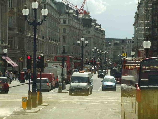 Великобритания откажется от бензиновых и дизельных авто