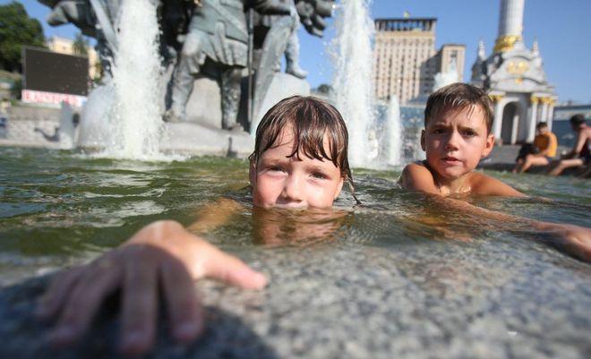 В Киеве за три дня зафиксировали два температурных рекорда