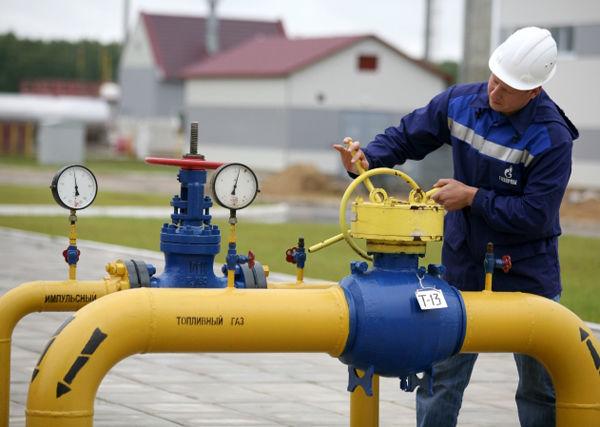 """Газпром"" снизил транзит газа через Украину"