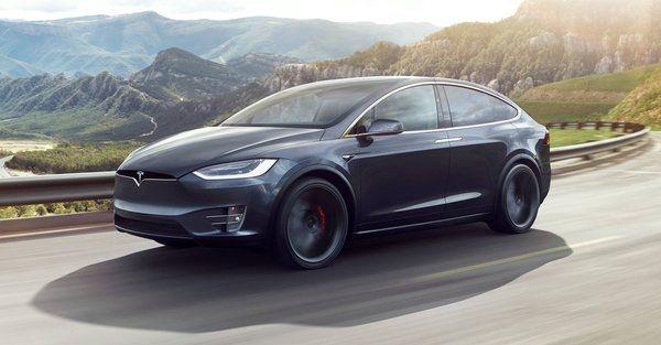 Tesla снизила цены на кроссовер Model X в преддверии выхода Model 3