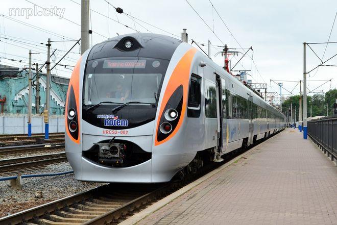 «Укрзализныця» установила рекорд по скоростной перевозке пассажиров