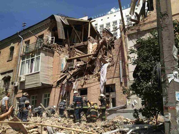 Киевляне требуют от властей срочно возместить жильцам убытки от взрыва многоэтажки