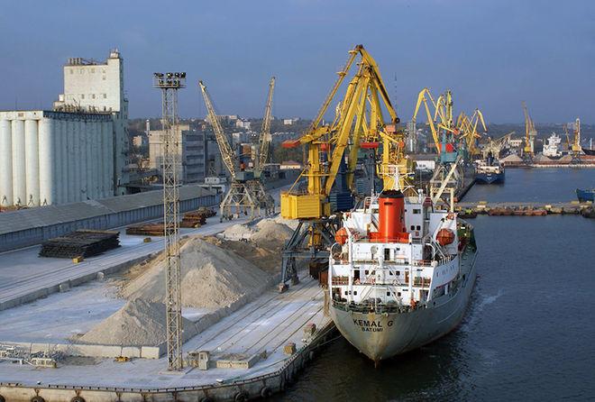 В морских портах Украины выросла грузопереработка