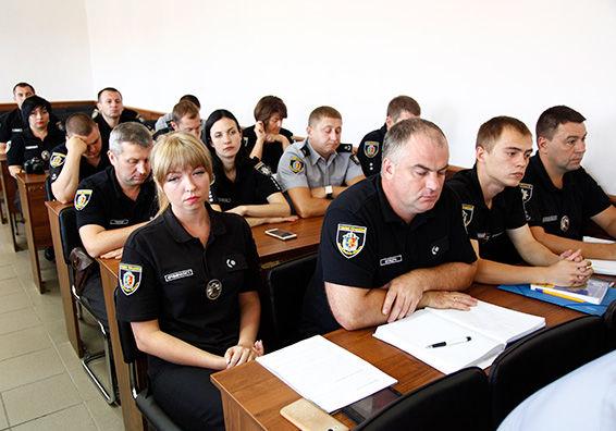Украинских полицейских планируют превратить в «универсальных солдат»