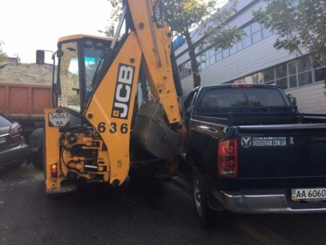В Киеве грузовик без водителя устроит масштабное ДТП