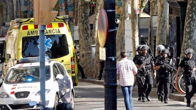 В Барселоне произошел теракт на туристической улице