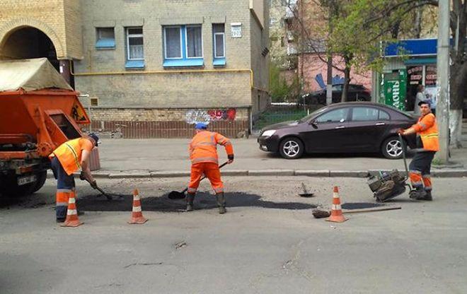 Ночью в Киеве частично ограничат движение