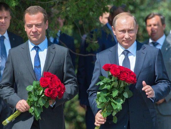 Путин и Медведев приехали в оккупированный Севастополь