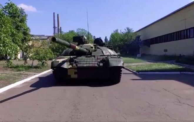 Порошенко показал модернизированный танк Оплот