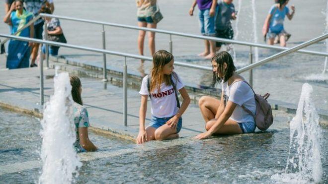 Киевлян ожидает спад аномальной жары