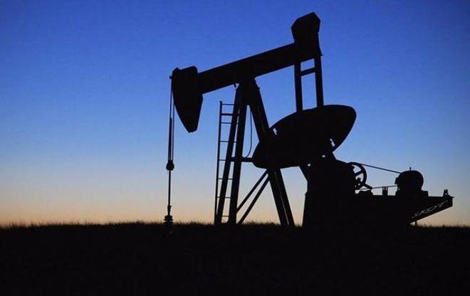 Стоимость нефти Brent превысила 52 доллара