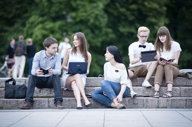 В Минобразования сообщили, какому количеству студентов могут сократить стипендии