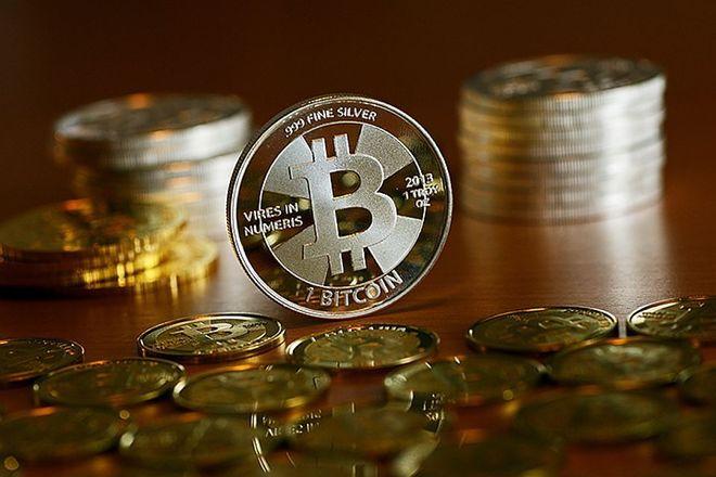 Украинские госслужащие задекларировали биткоинов на 2,5 млрд грн