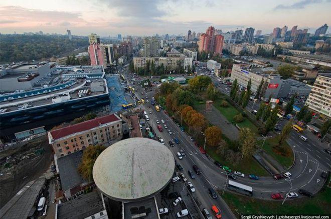 На Лыбидской площади в Киеве ограничат движение