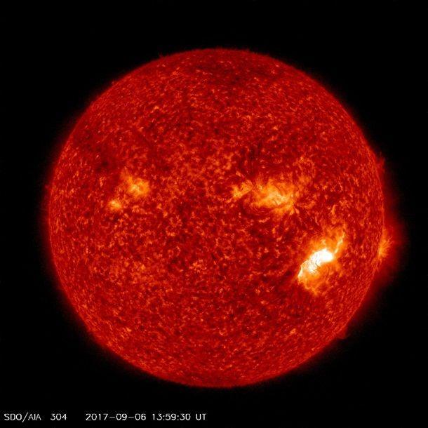 Исследователи зафиксировали мощнейшую за 12 лет вспышку на солнце