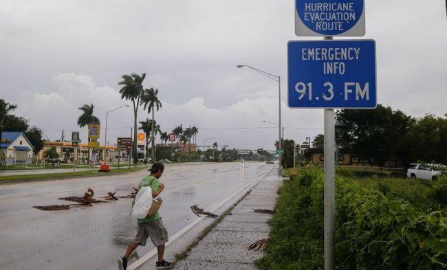 Опубликованы фото последствий урагана в Майами