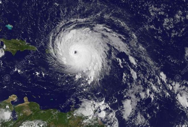 """Ураган """"Ирма"""" усилился на пути к США"""