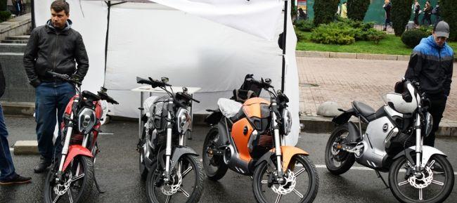 В Киеве установили «электромобильный» рекорд