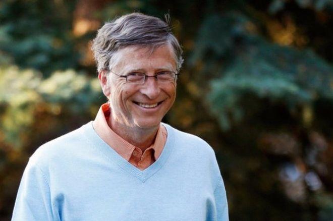Билл Гейтс предпочел смартфон на андроид