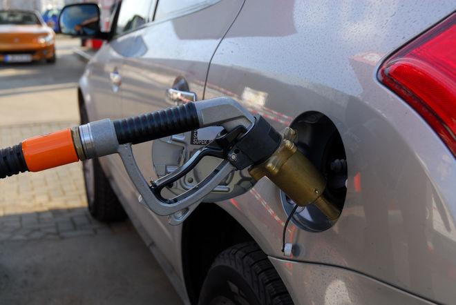 Украинские АЗС просаживают цены на автогаз