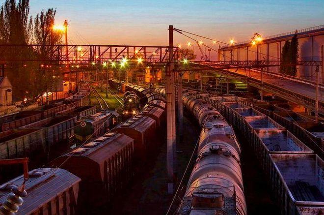 Из-за взрывов под Винницей 47 пассажирских поездов сменили маршрут