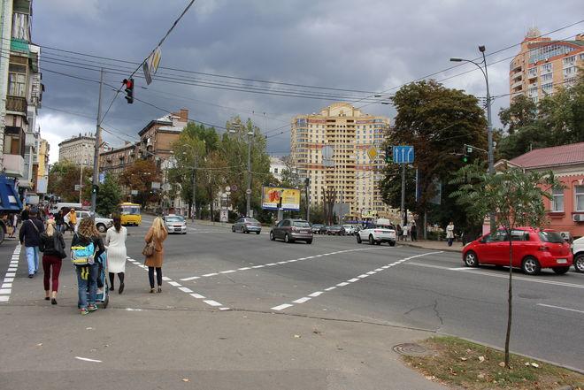 Транспорту запретят останавливаться у Бабьего Яра в Киеве