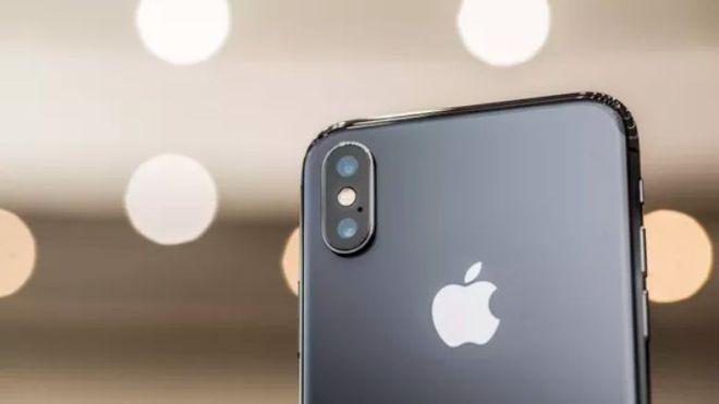 ВСингапуре представили самый дорогой вмире чехол для iPhone X